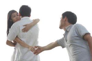 Ngoại tình dẫn đến ly hôn có được chia tài sản chung?