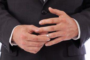 Tư vấn trường hợp chồng làm thủ tục đơn phương ly hôn