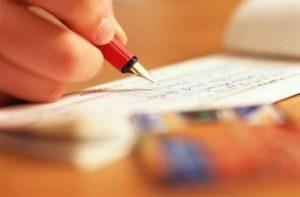Ai là người được ký kết văn bản giao dịch đối với các đối tác
