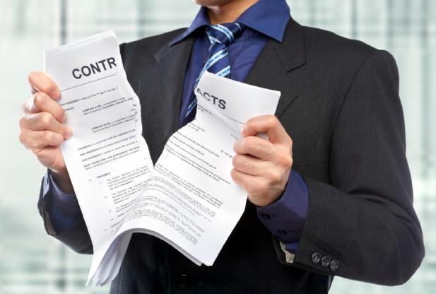 Có được chấm dứt hợp đồng khi bị tai nạn nghỉ không xin phép