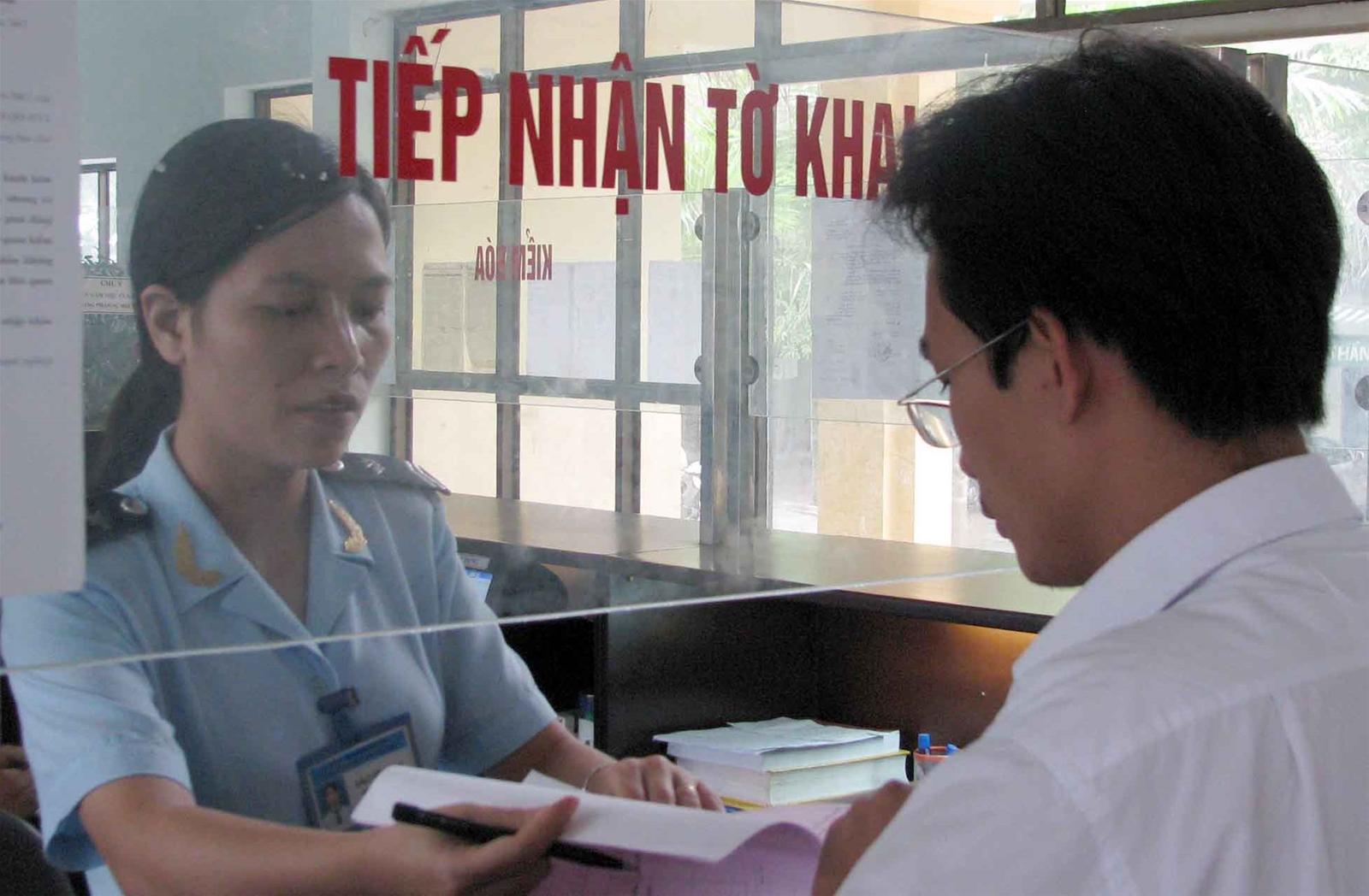 Đăng ký tờ khai hải quan theo quy định của pháp luật