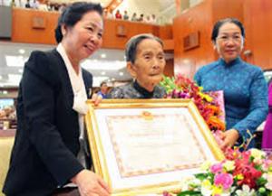 Điều kiện được xét tặng truy tặng danh hiệu bà mẹ Việt Nam anh hùng