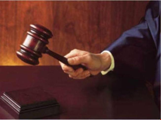 Hoãn phiên tòa sơ thẩm vụ án hình sự
