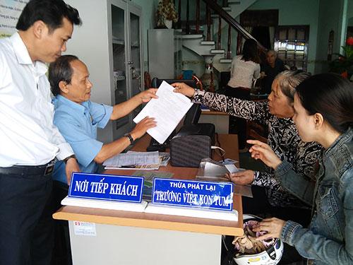 Ký hợp đồng dịch vụ tống đạt văn bản với Văn phòng Thừa phát lại