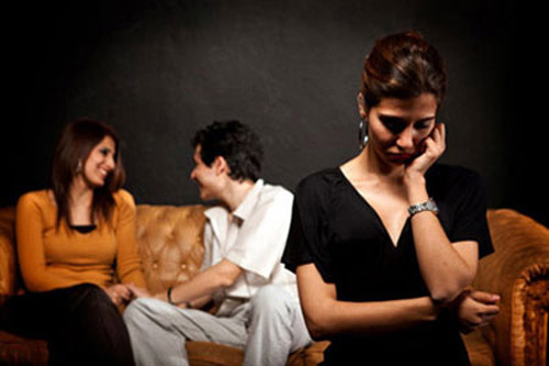 Có nên ly hôn không khi chồng ngoại tình?