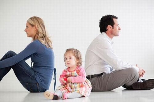 Quyền nuôi con đối với con không mang huyết thống của cha