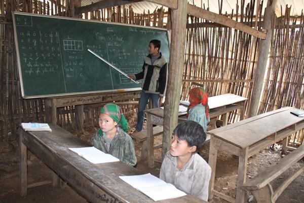 Phụ cấp thu hút cho giáo viên vùng khó khăn