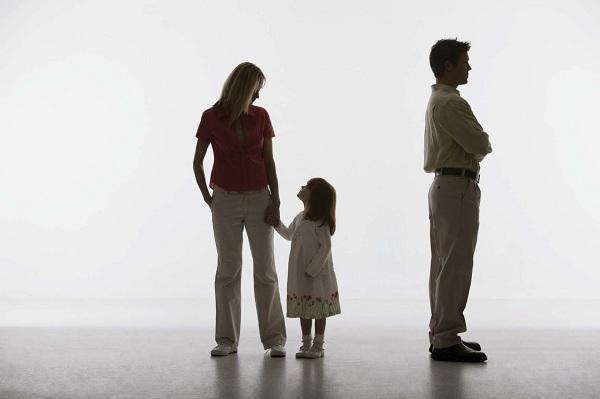 Quyền nuôi con dưới 36 tháng tuổi theo quy định hiện nay
