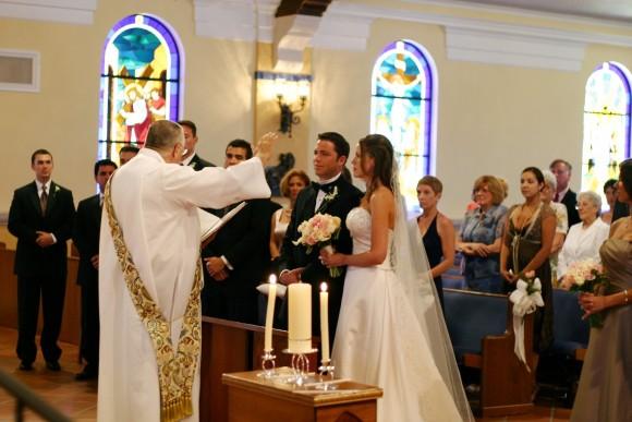 em của công an kết hôn với người theo đạo