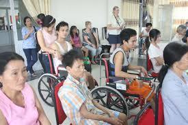 người khuyết tật hưởng trợ cấp xã hội