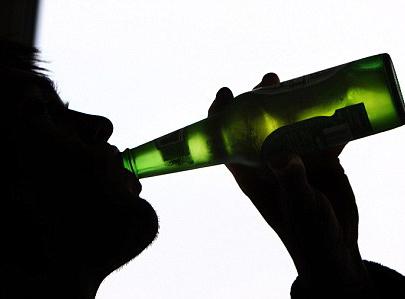 Uống rượu say rồi phạm tội