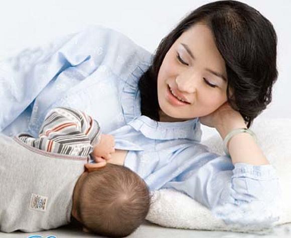Quyền nuôi con nhỏ 13 tháng tuổi