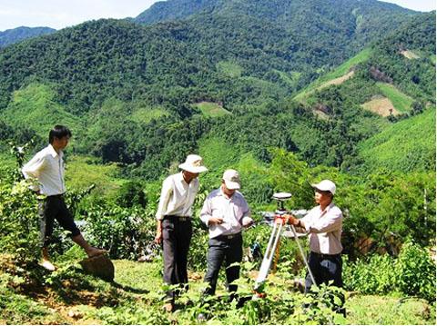 Thu hồi đất do chấm dứt việc sử dụng đất theo pháp luật, tự nguyện trả lại đất, có nguy cơ đe dọa tính mạng con người