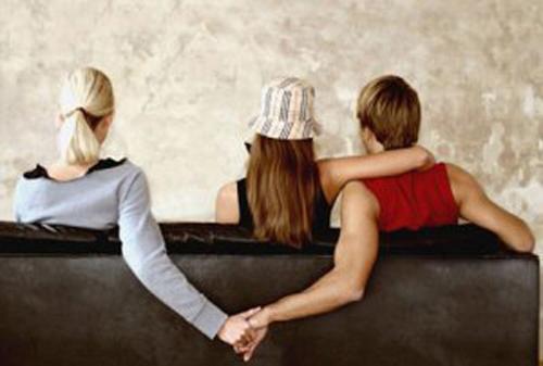 Tội vi phạm chế độ một vợ một chồng theo quy định của BLHS 2015