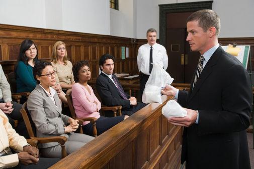 Lựa chọn thay đổi hoặc bổ sung người bào chữa theo quy định của Bộ luật tố tụng hình sự năm 2015