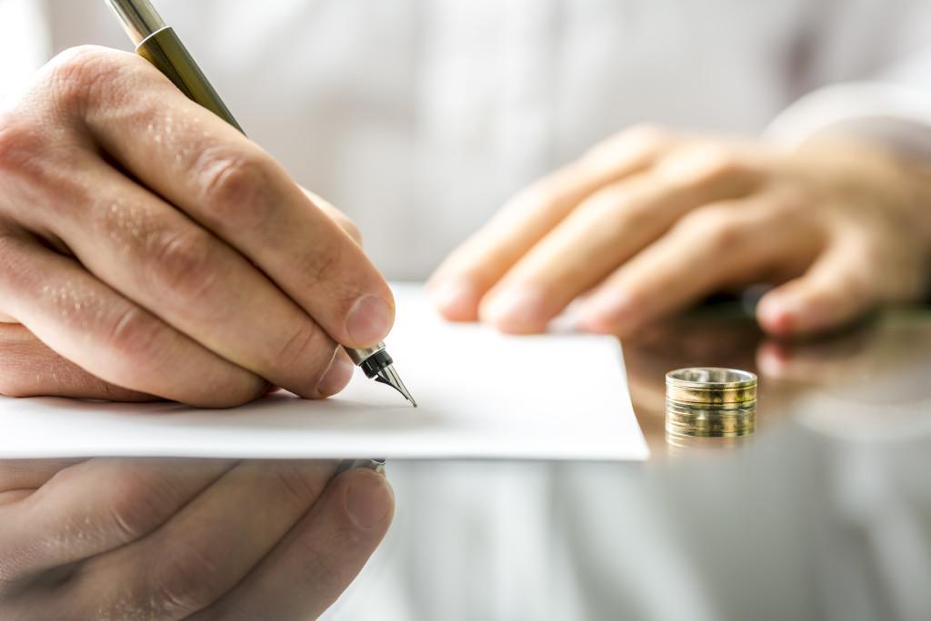 Thẩm quyền giải quyết ly hôn và thủ tục như thế nào ?