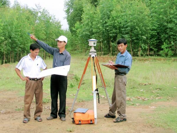 Quyền và nghĩa vụ của tổ chức có chức năng tư vấn xác định giá đất