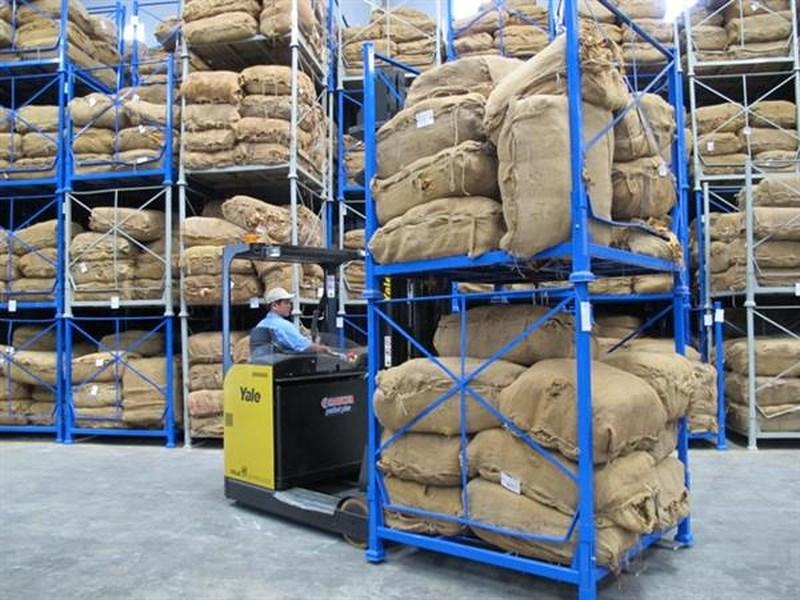 Quản lý nhập khẩu nguyên liệu thuốc lá
