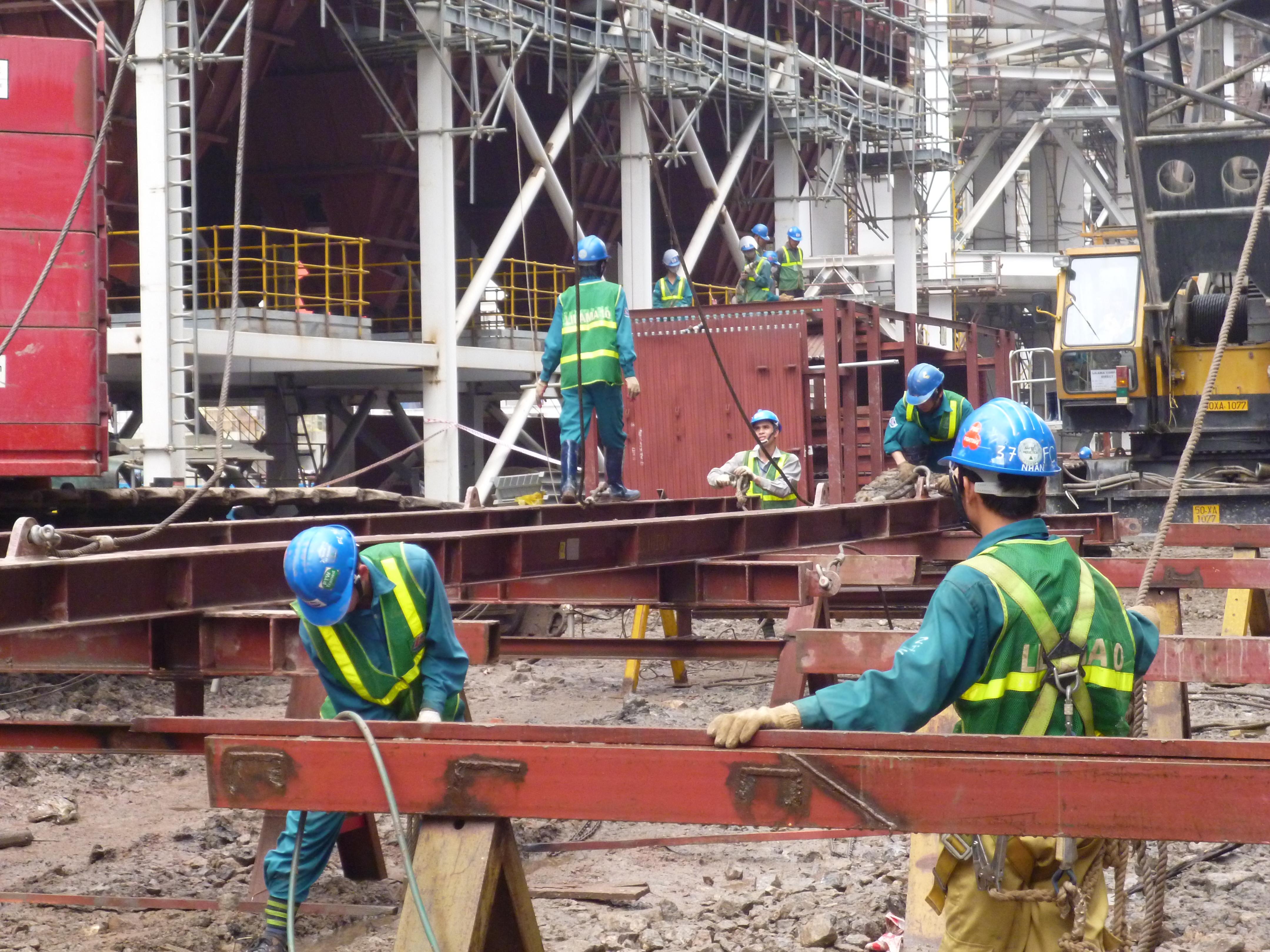 Quy định về xử phạt vi phạm quy định về thi công xây dựng công trình mới nhất
