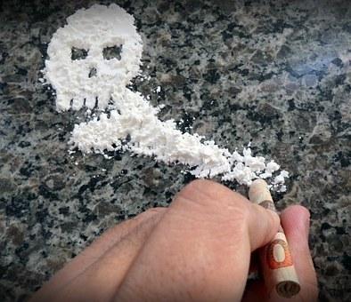 Mua ma túy về để sử dụng thì có bị đi tù