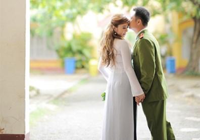 Mẹ là người dân tộc Hoa có đủ điều kiện kết hôn với người là công an