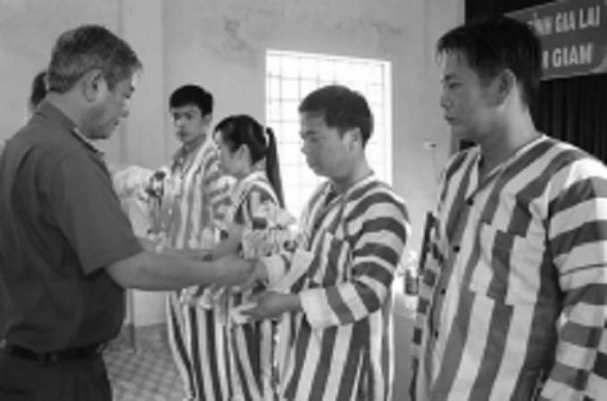 Tha tù trước thời hạn có điều kiện theo Bộ luật hình sự năm 2015