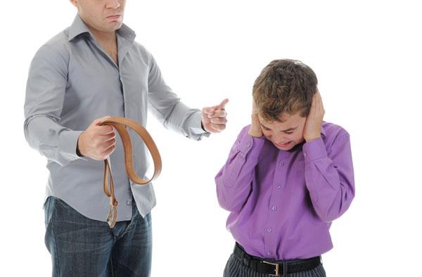 Hành vi xâm hại sức khỏe thành viên gia đình