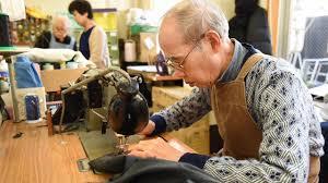 Người lao động trên 60 tuổi có phải đóng bảo hiểm xã hội không