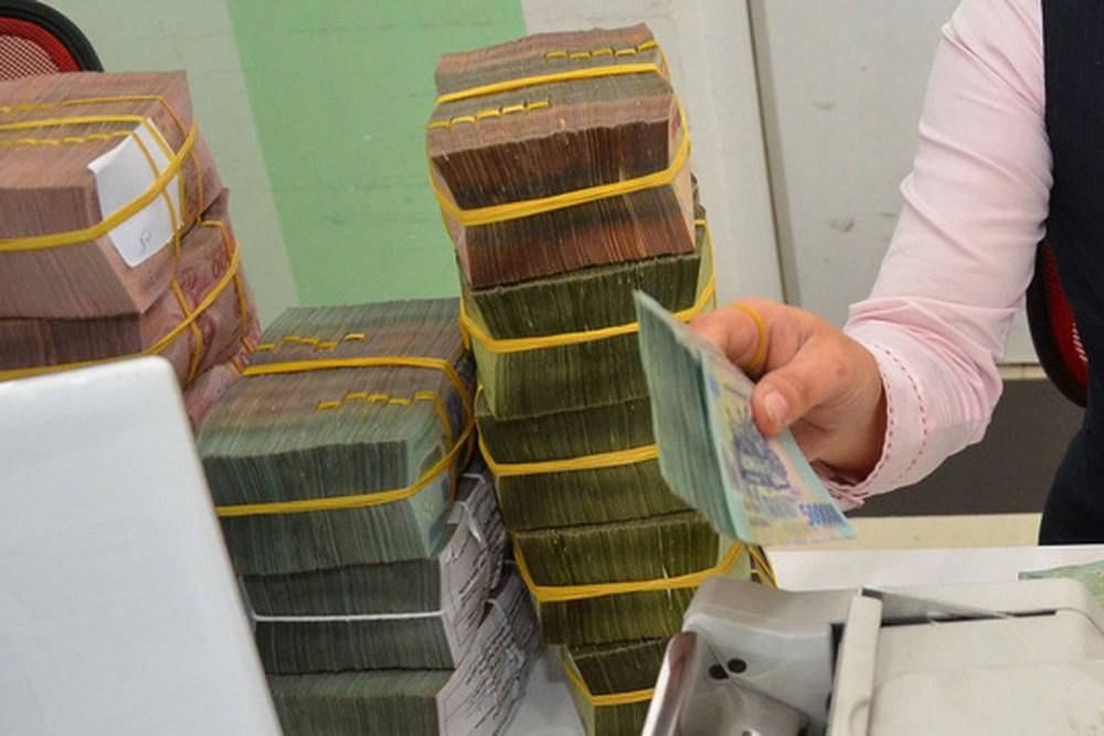 Đang nợ xấu ngân hàng thì có được xuất cảnh không?