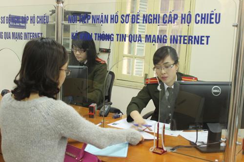 Thủ tục cấp giấy phép xuất nhập cảnh cho người không quốc tịch cư trú tại Việt Nam