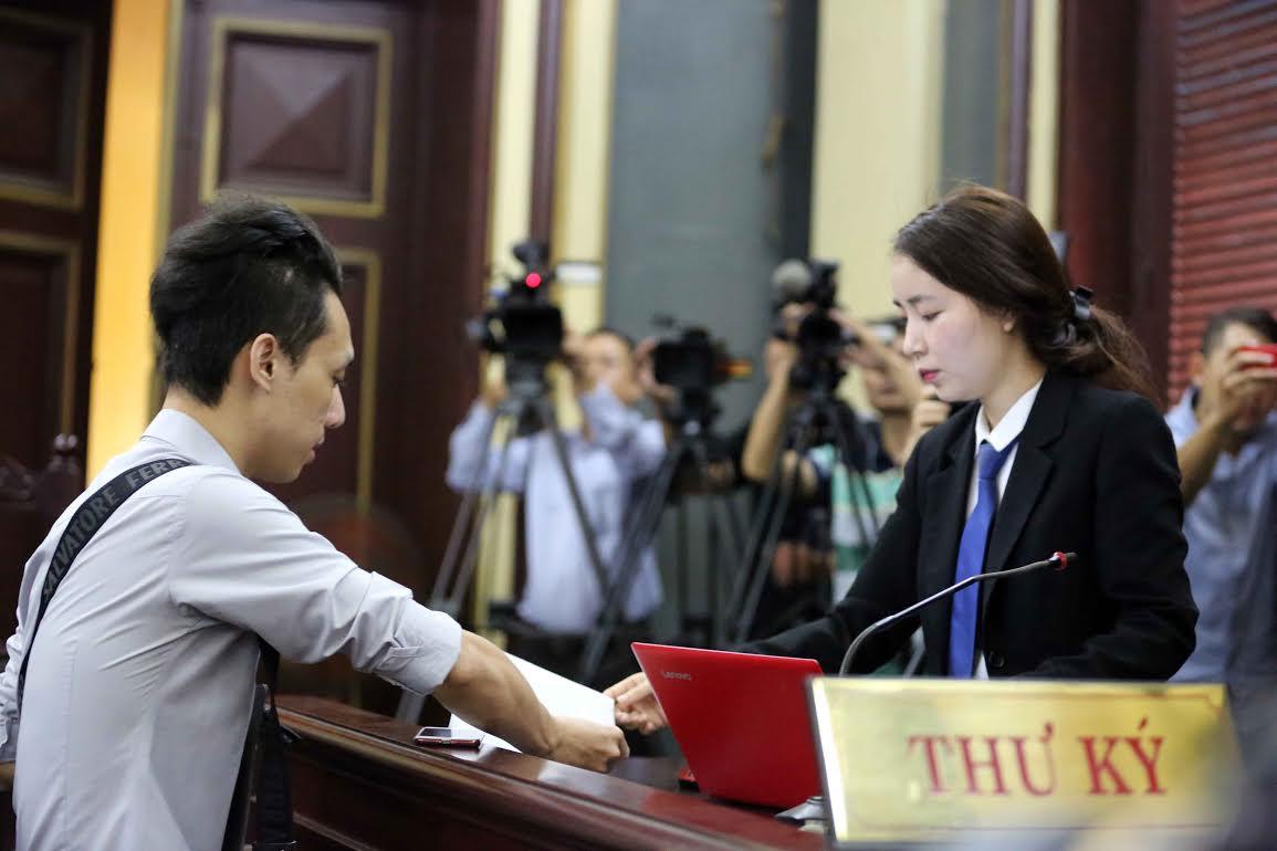 Tải Mẫu số 02-HS Phân công Thư ký Tòa án tiến hành tố tụng đối với vụ án hình sự; quyết định phân công Thẩm tra viên thẩm tra hồ sơ vụ án hình sự