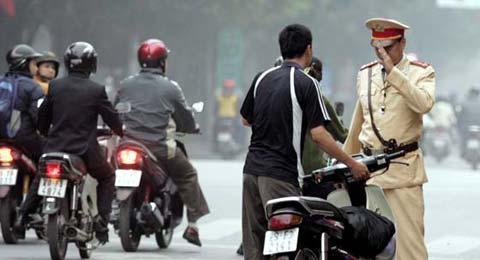 Quyết định xử phạt vi phạm hành chính trong lĩnh vực giao thông đường bộ