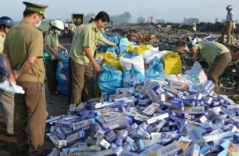 Tội sản xuất, buôn bán hàng giả là lương thực, thực phẩm, phụ gia thực phẩm