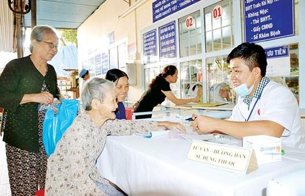 Khám chữa bệnh bằng bảo hiểm y tế đúng tuyến và trái tuyến quy định như thế nào?