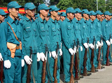 Quy định của pháp luật về sử dụng trang phục dân quân tự vệ