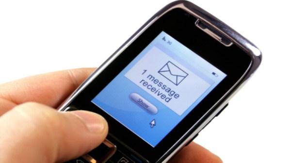 Đọc trộm tin nhắn có phạm tội không theo quy định của pháp luật?