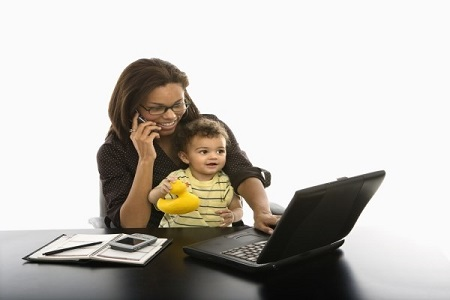 Bảo vệ quyền lợi NLĐ nữ sau khi sinh con theo luật hiện hành