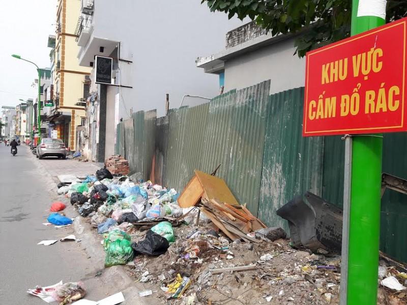 Thẩm quyền của Chủ tịch UBND các cấp trong xử phạt VPHC về bảo vệ môi trường được quy định như thế nào?