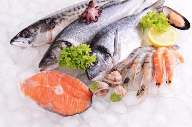 Mức phạt vi phạm quy định về điều kiện bảo đảm an toàn thực phẩm trong sản xuất, kinh doanh thực phẩm tươi sống có nguồn gốc thủy sản