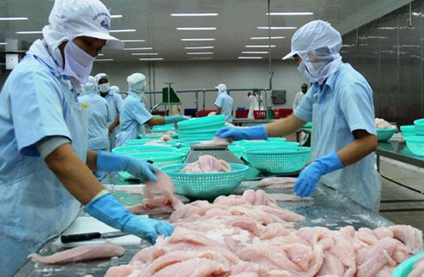 Mức phạt vi phạm quy định về sử chất và hóa chất trong sản xuất chế biến thực phẩm được quy định như thế nào?