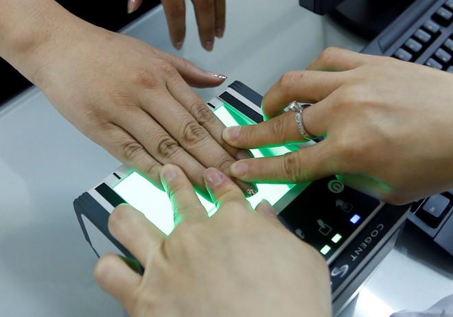 Mất dấu vân tay có làm được chứng minh thư nhân dân không – Luật Toàn Quốc