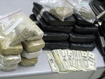 Bán ma túy, khi khám nhà tiếp tục phát hiện ma túy