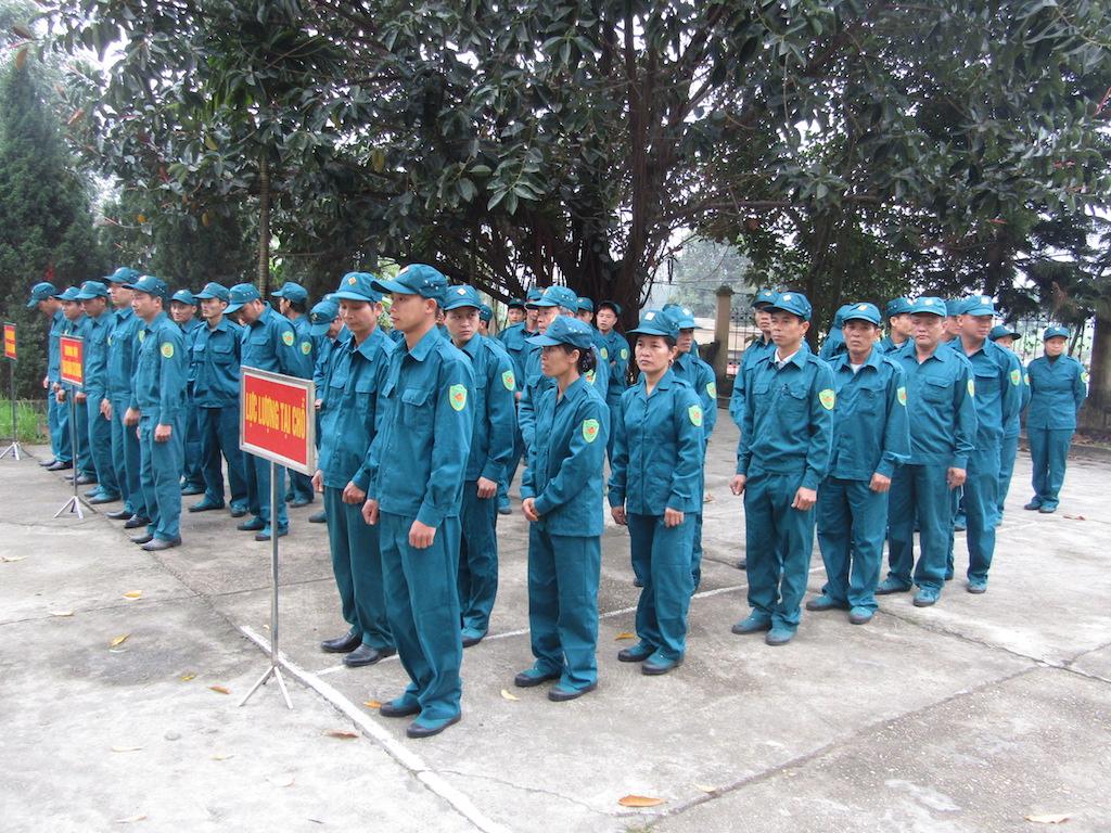 tuyển chọn vào dân quân tự vệ