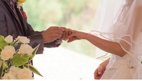 Đăng kí kết hôn khác nơi thường trú theo quy định năm 2020